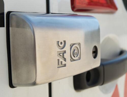 Instalación de cerrojo para vehículos de transporte FurgoFac